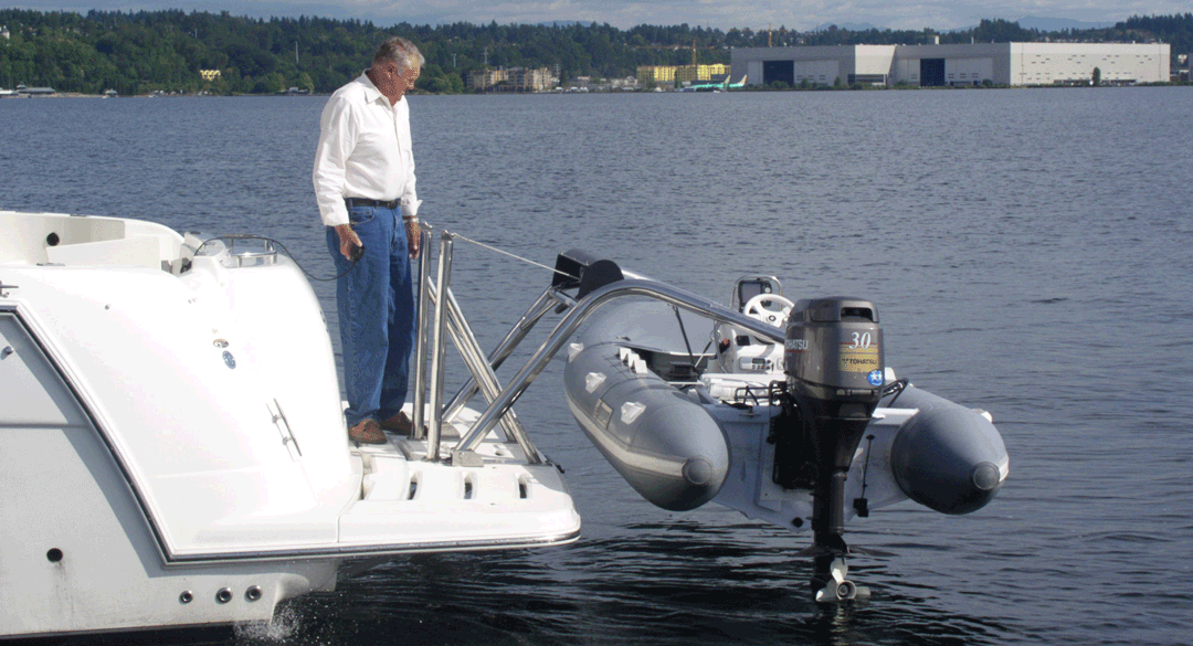 The RS-7 and RS-8 Transom Davit